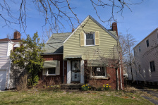 21661 Maydale, Euclid - 1